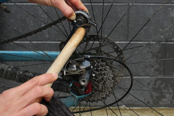 Bike brush handle end cleaning jockey wheels goRide