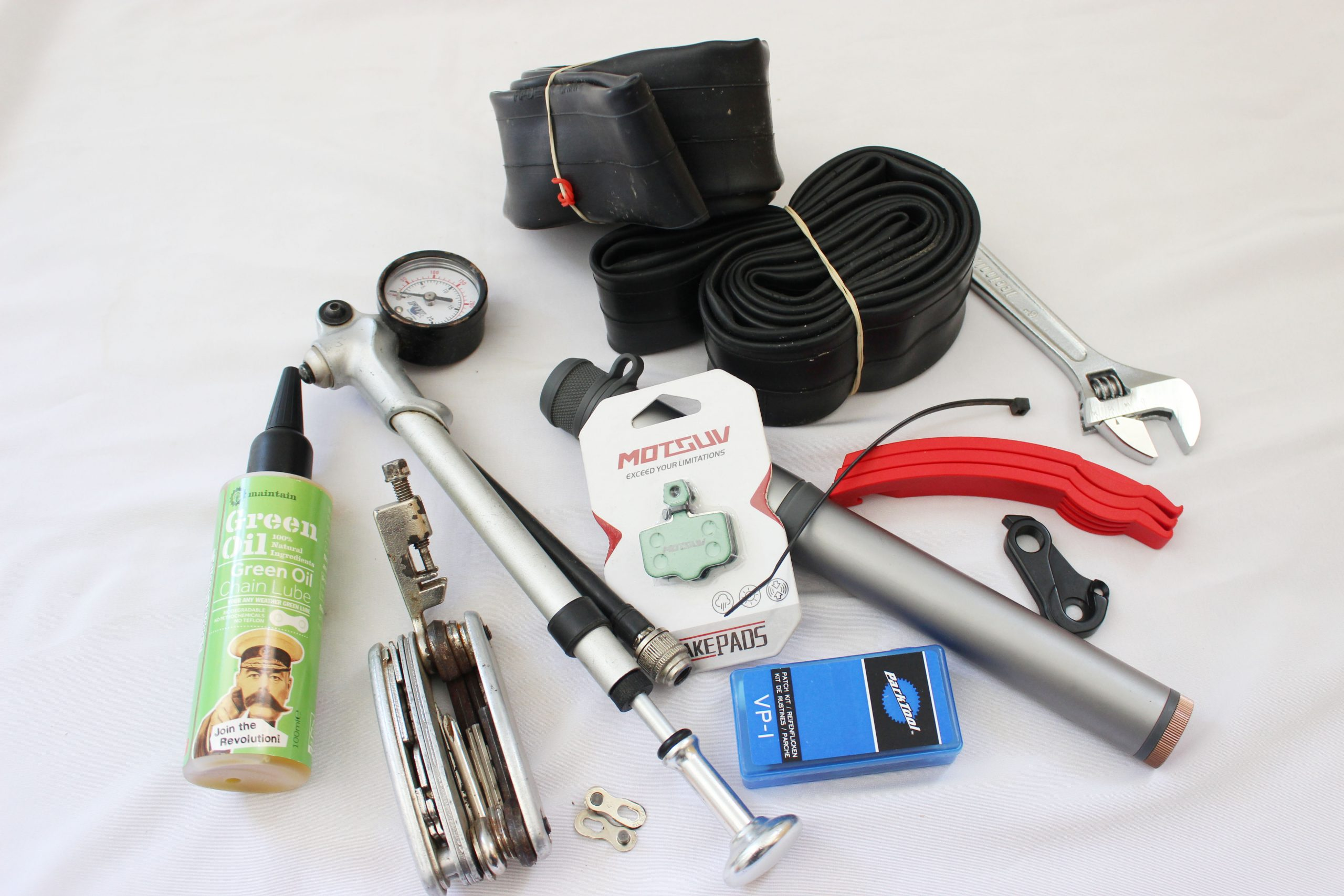 What's in a Multi-Day Mountain Biking Tool Kit?