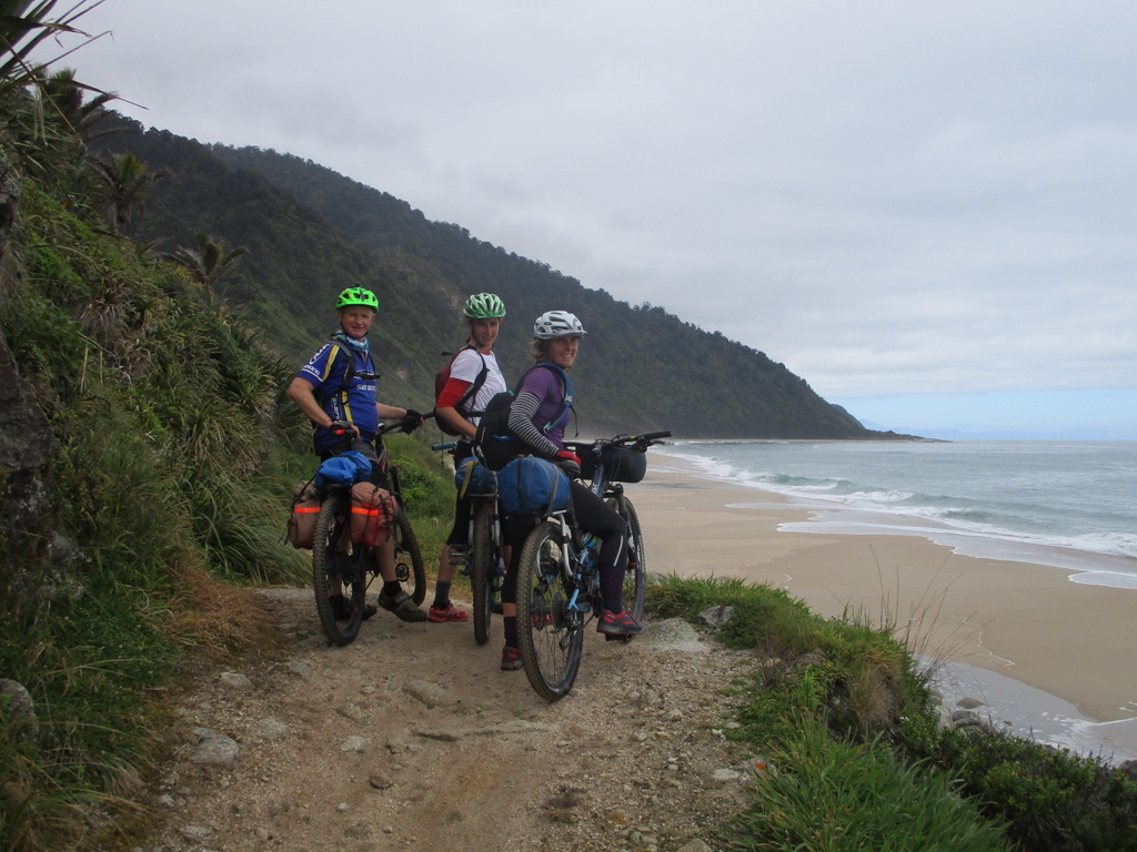 womens gounders endurance - heaphy track